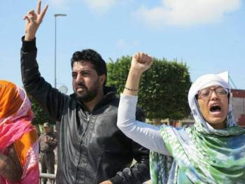 Ahmed Ettanji en un acto prosaharaui