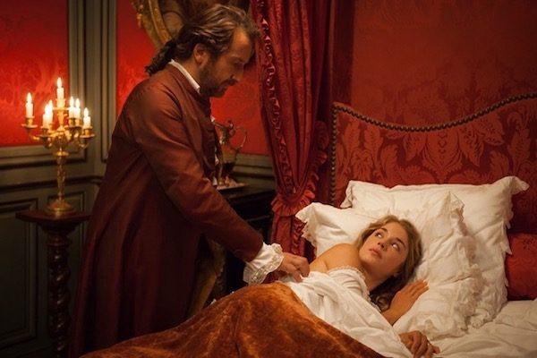 """Alice Isaaz y Edourd Baer en una escena de """"Mademoselle de Joncquieres"""""""
