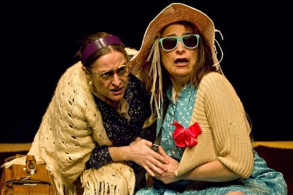 Alicia Rodríguez y Belén Ponce de León en una escena de Las princesas
