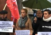 Protestas de periodistas en Bruselas contra los ataques a la libertad de expresión y libertad de prensa en Polonia