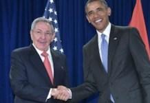 Barack Obama y Raúl Castro en la ONU en septiembre de 2015