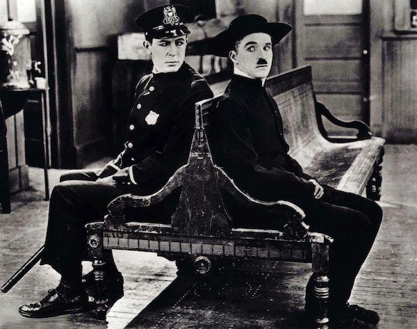 Foto alegórica de Chaplin como emblema del cambio en la historia