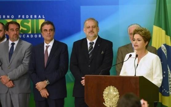 Dilma Rousseff se dirige a la nación el jueves 3 de diciembre de 2105 para rechazar el juicio político impulsado por la oposición.