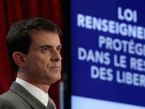 Le Premier ministre français Manuel Valls présente le nouveau projet de loi du gouvernement pour la sécurité et la lutte contre le terrorisme, à Paris, le 19 mars 2015