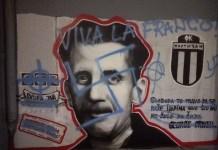 Mural de George Orwell atacado con símbolos fascistas. Se puede observar la pintada en un mal castellano 'Viva la Franco'.