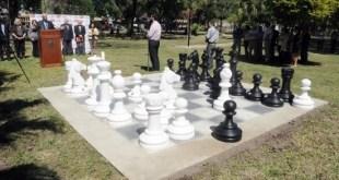 Una plaza dedicada al ajedrez en Santa Fe, Argentina.