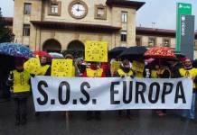 Manifestación a favor de la acogida de personas refugiadas en Oviedo