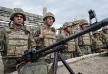 Tropas armenias en la frontera con Azerbaiyán