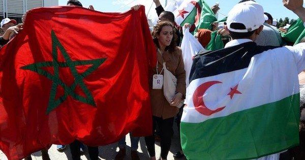 marroquíes y saharauis se cruzan en un acto reivindicativo en una ciudad europea
