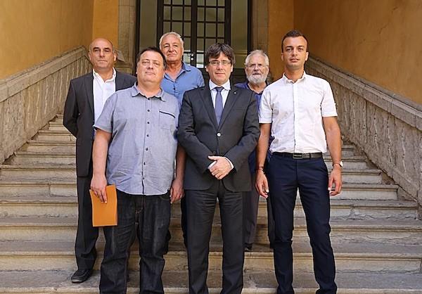 Independentistas franceses ofrecen asilo al gobierno de Puigdemont
