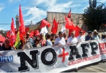 Movilización contra el sistema privado de pensiones en Valparaiso, Chile. Foto: Andes/Radio Cooperativa.