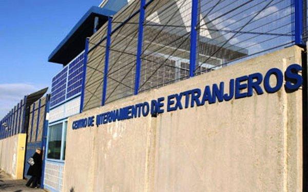 Centro de Internamiento de Extranjeros (CIES) en España