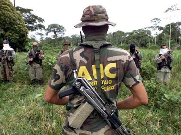 Colombia, paramilitares de la AUC