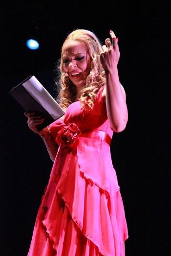 """Gema Monje, hija de Camarón recitando versos de su padre dedicados a su madre """"La Chispa"""""""