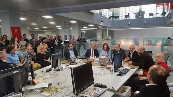 Hurriyet: acto del cambio de director en la redacción del diario.