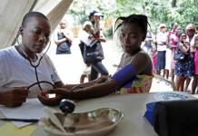 Haiti, ambulatorio provisional instalado por Médicos del Mundo tras el paso de huracán Matthew. Foto: Lahcene Abib / MDM