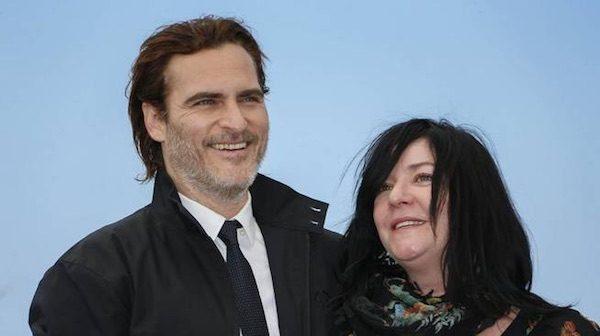 Joaquin Phoenix y la directora Lynne Ramsay en Cannes
