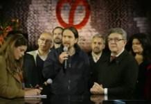 Pablo Iglesias con Melenchón en un acto electoral en París, el 21 de abril de 2017