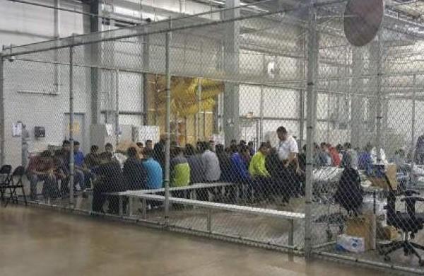 Menores enjaulados en Estados Unidos