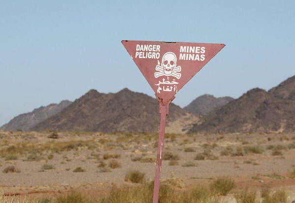 Aviso de minas en el Sahara
