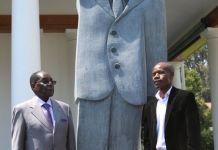 Mugabe, estatua