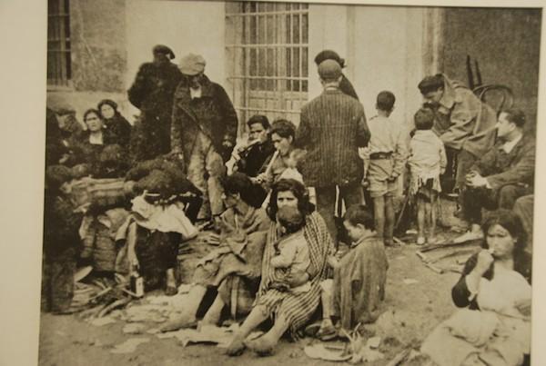 Refugiados en la carretera de Málaga a Almería