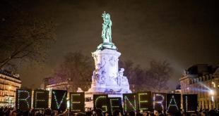 Nuit debout!, concentraciones en la Plaza de la República de París contra las políticas de austeridad y desprotección del trabajo