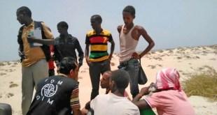 Migrantes lanzados al mar en el golfo de Adén