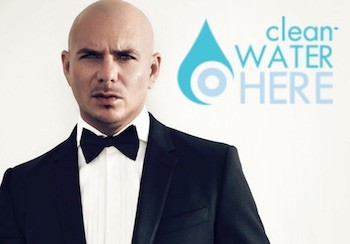 Pitbull en el cartel promocional de Clean Water Here