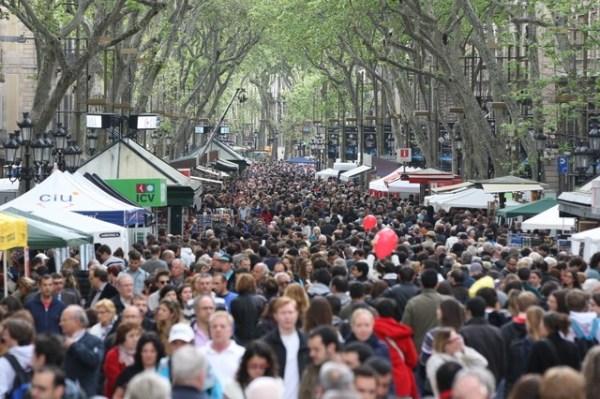 La Rambla de Barcelona en un día festivo