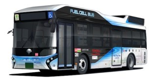 Toyota entrega en Tokio un autobús de pila de combustible