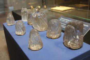Conjunto de trebejos de cristal de marfil de la catedral de Ourense