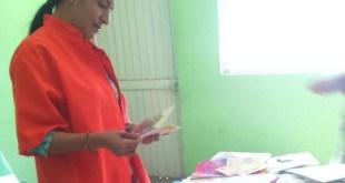Yecenia recibe las cartas de activistas de Amnistía Internacional en la prisión © AI