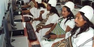 Foto 5- Indigenas TIC