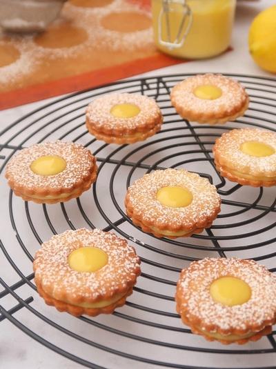 Biscuits sablés fourrés au lemon curd {vegan}