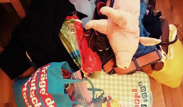 Und zu hause mussten erstmal die drölfzig Taschen ausgepackt werden, die wir mal wieder mitgebracht haben...