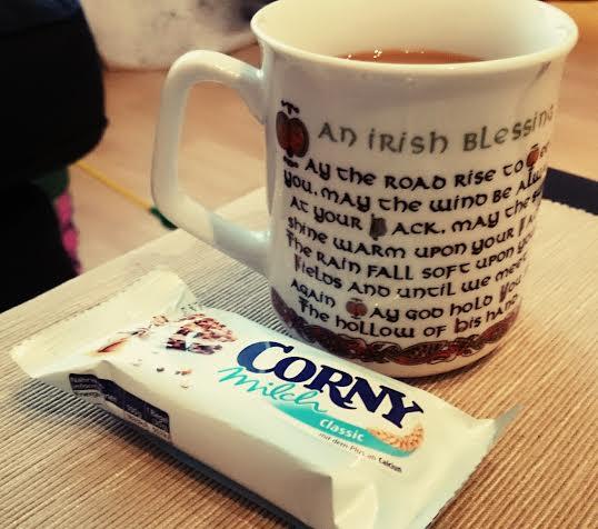 Nachdem ich die Perle zur Kita gebracht habe brauchte ich erstmal einen Kaffee. Und ein kleines Frühstück.
