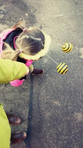 Ein kleines Bienchen wieder von der Kita abgeholt.