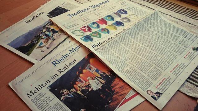 Zu Hause hat die Perle ein kleines Mittagsschläfchen gehalten und die Perlenpatentante und ich haben die Frankfurter Allgemeine Sonntagszeitung lesen können.