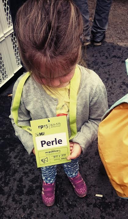 Hi, my name is Perle. Das Profi-Konferenz-Kind.