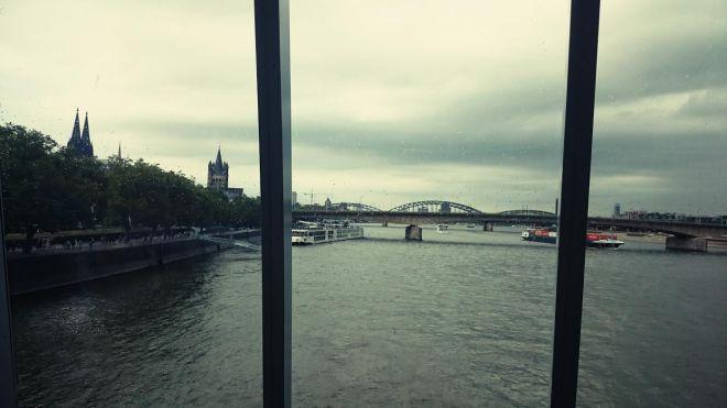 Köln....eine Stadt, die mir sehr am herzen liegt...selbst im Nass-Grauen.