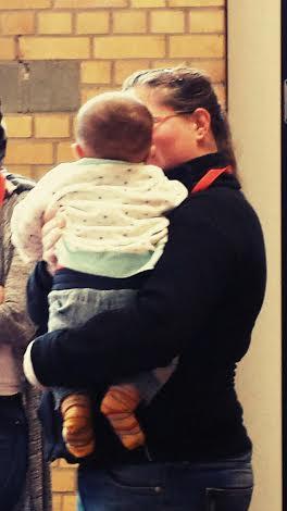 Dann hieß es wieder Mittags-Schicht im Flüchtlingsheim mit der lieben Mäusemama. Babyknuddeln inklusive <3