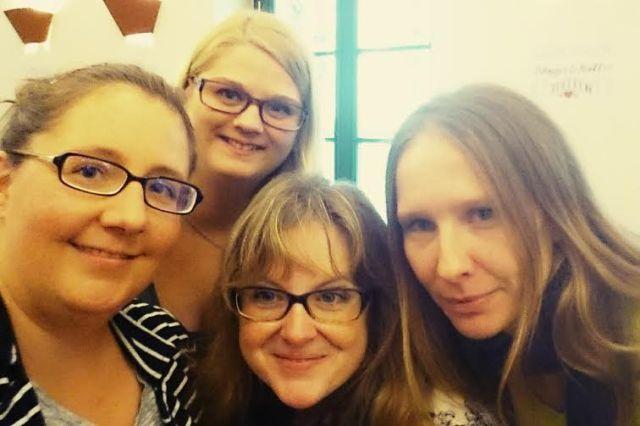 Was auf einem Twitter-Treffen natürlich nicht fehlen darf: SELFIES! Hier mit Katha, Severin und Susanne.