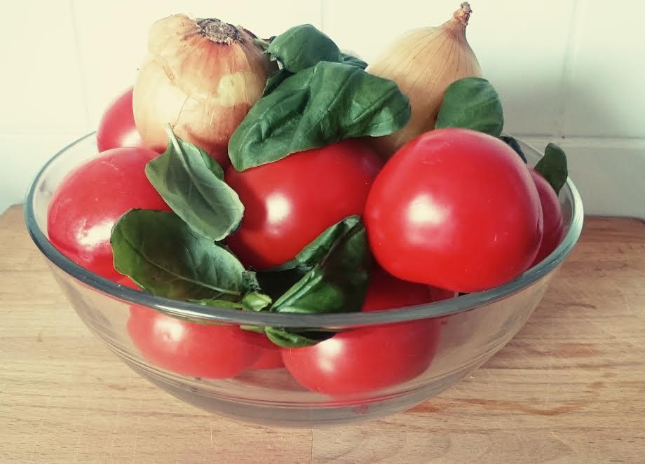 tomaten so e aus frischen tomaten ein rezept zum einkochen perlenmama. Black Bedroom Furniture Sets. Home Design Ideas