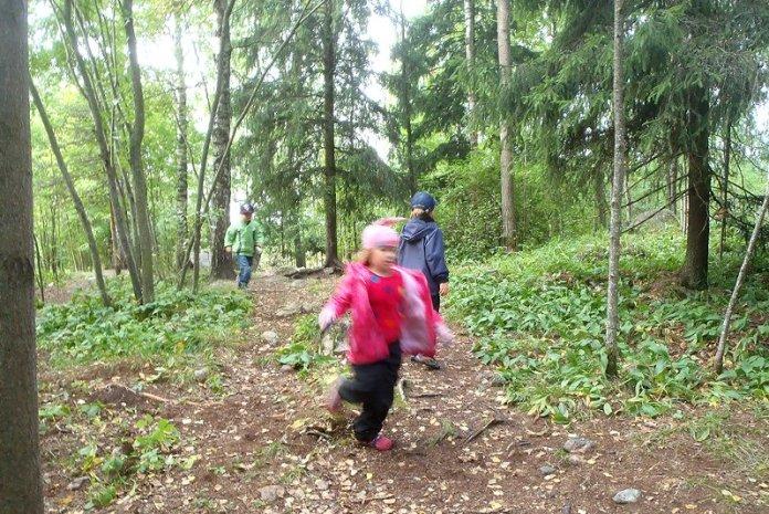 Foresta troll bambini finlandia