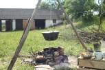 kociołek czeka na warzywa i gości