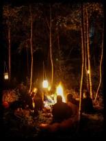 Czasem wieczorami organizujemy ogniska ze wspólnym kociołkiem.