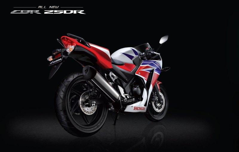New-2015-Honda-CBR250R-6