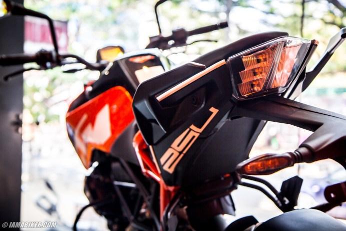 KTM-Duke-250-image-gallery-003