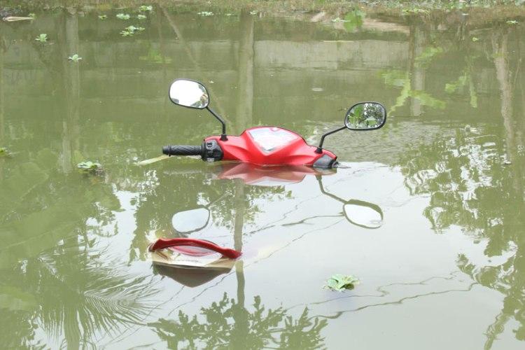 motor-terendam-banjir